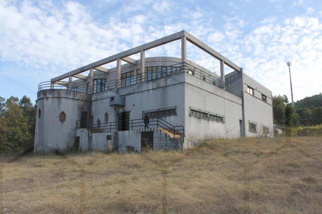 Edifício em Paçô - Vila e Roussas